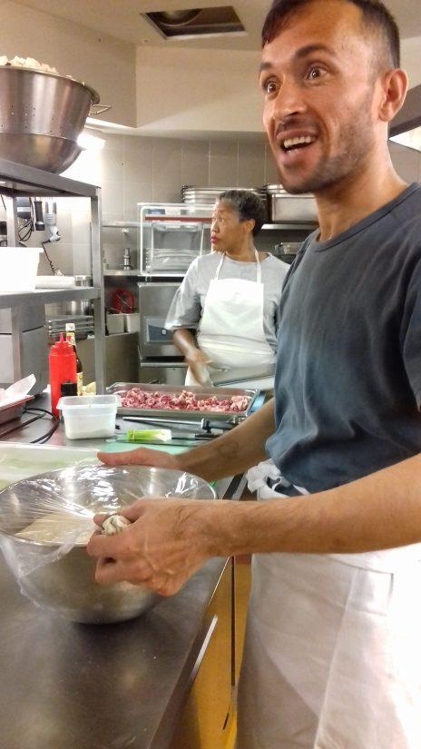 Changer son regard sur les réfugiés avec la cuisine en partage