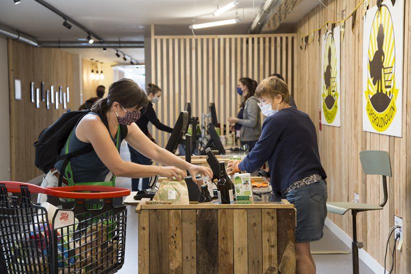 Superquinquin à Lille : l'épicerie où le client est à la fois acheteur et vendeur 2